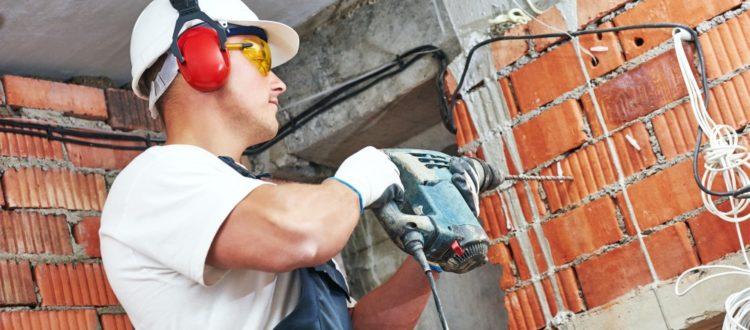 montaż instalacji elektrycznych w domu